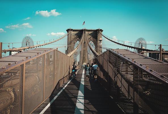 Brooklyn Bridge Symmetry di th3storyteller