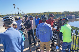 Photo: Our next stop is on the Ford Parkway Bridge over the Mississippi River, leading from Minneapolis to St. Paul.