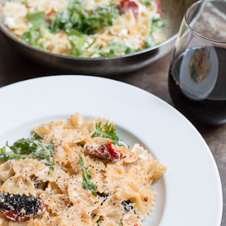 Farfalle with Sun-Dried Tomatoes, Goat Cheese and Arugula
