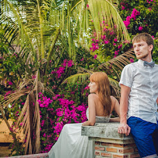Wedding photographer Roman Volkov (RomanKorolev). Photo of 09.10.2014
