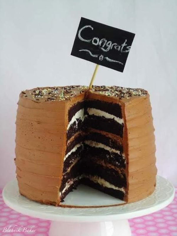 6 Layer Chocolate Cake With Marshmallow Filling Recipe