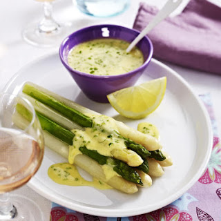 Asparagus With Mousseline Sauce