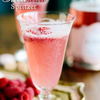 Sweetheart Spritzer {Champagne Cocktail Recipe}