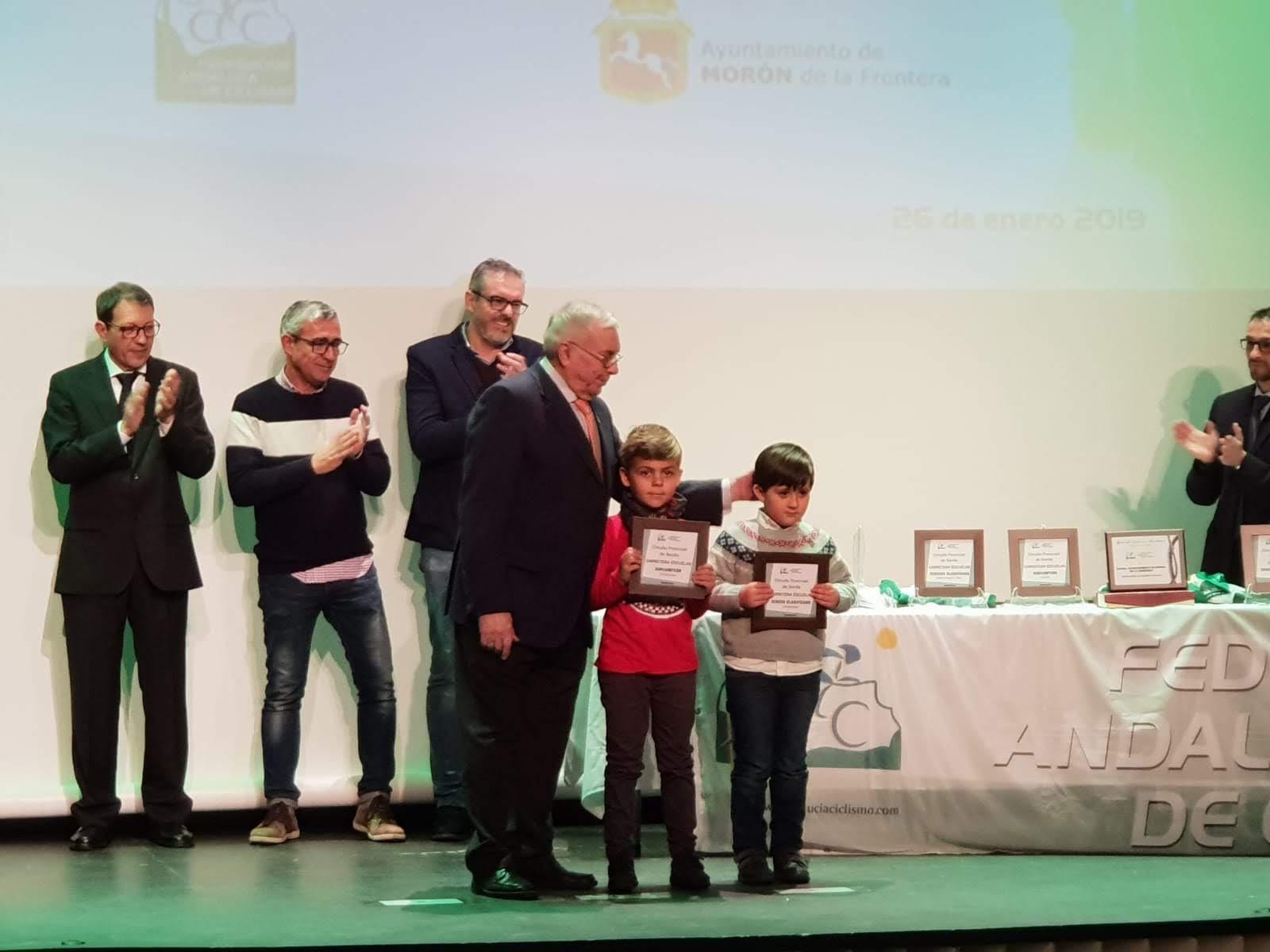 Ciclismo, Saul y Carmen premiados en Morón