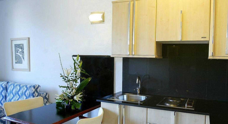Atenea Park Suites & Apartments