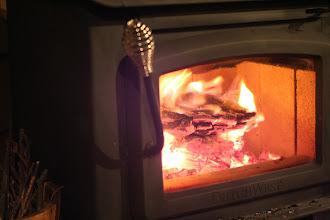 Photo: コンドミニアム棟のテラスにある暖炉でぜひ火遊びを楽しんでね