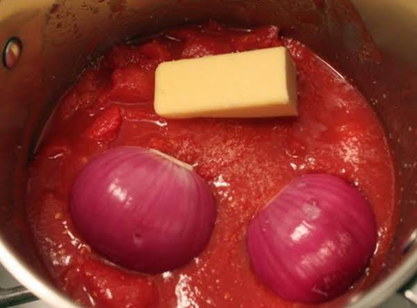 Tomato Sauce With Onion And Butter Recipe