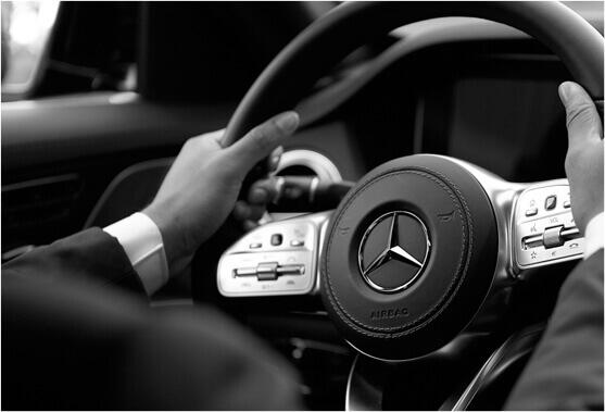 Забронируйте наши лимузин-сервисы в аэропорту Альтенрайн с профессиональными водителями