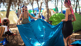 Asistentes a Dreambeach en la zona de acampada