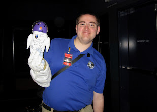 Photo: Eric @ericmblog with SpaceTweep mascot MECO!