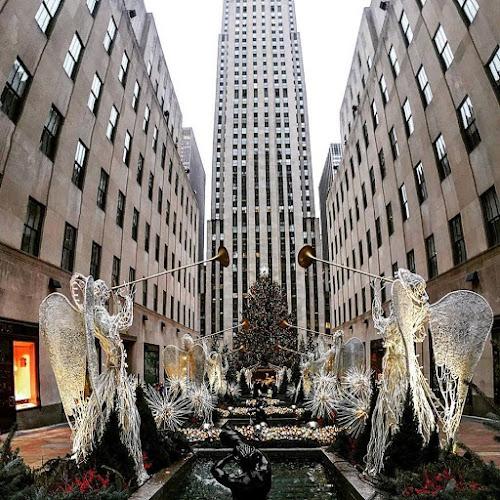 The Tree by Rob Kovacs - Public Holidays Christmas