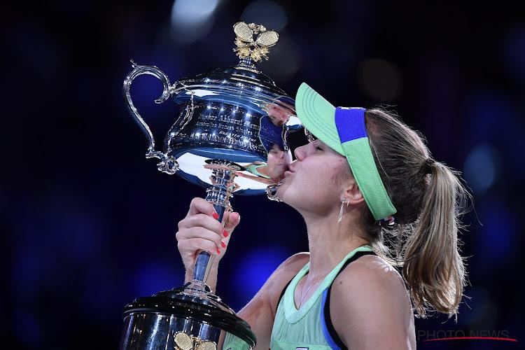"""Nieuwe grandslamkampioene krijgt felicitaties van Clijsters en duidt sleutelmoment aan: """"Vijf beste shots van mijn leven"""""""