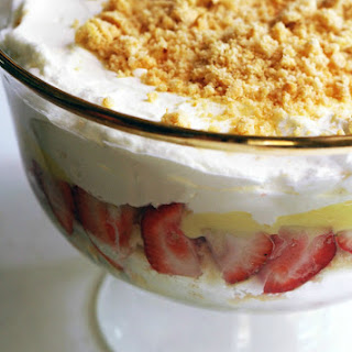 Strawberry and Amaretti Cookie Trifle