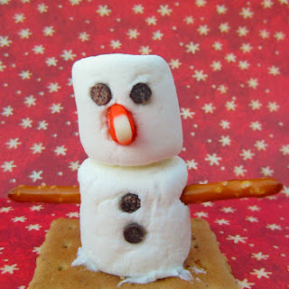 Make a Marshmallow Snowman