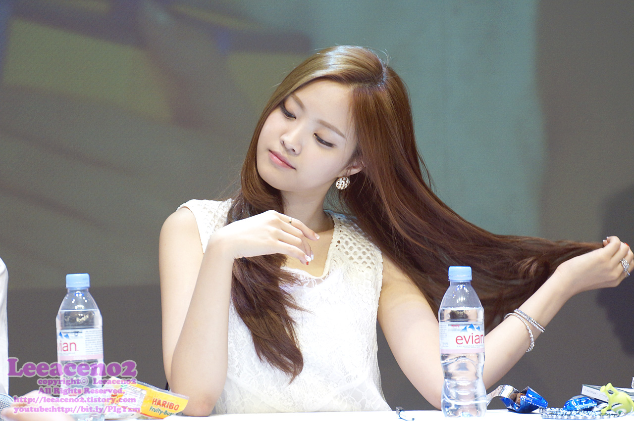 Apink's Naeun Shows Off A Completely New Hair Style For ...