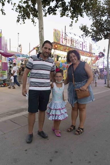 Virginia, María (7) y Juan