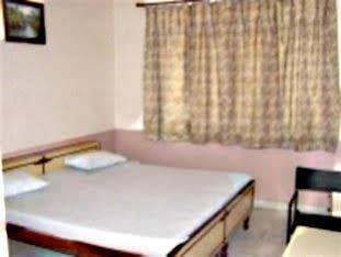 Hotel Navaratan Palace