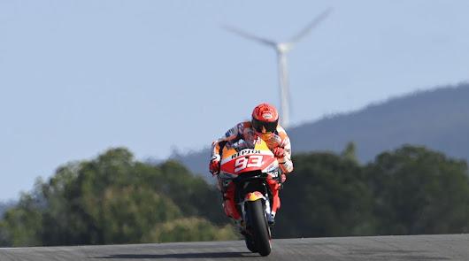 Márquez saca los colores a sus rivales en su vuelta a la competición