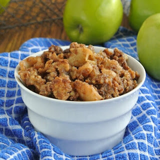 Slow Cooker Apple Granola Crumble.