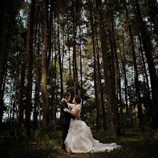 Wedding photographer Agung Akbar (akbar). Photo of 23.10.2014