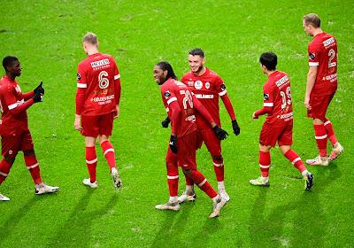 Extra dagje vrij voor Antwerp-spelers waar zoektocht om trainer verder gaat