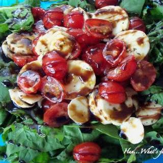 Spinach Tomato and Mozzarella Salad with Balsamic Drizzle