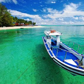 Derawan Island by Taufiqurakhman Ab - Landscapes Travel