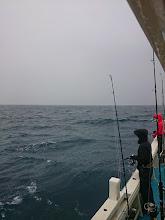 Photo: 今日は、お昼ぐらいまで「雨」の予報。 予報以上に波、風もあり苦戦しそう・・・。