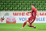 Robert Lewandowski met vier doelpunten cruciaal in nipte overwinning Bayern München