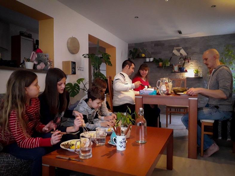 C:\Users\Nailya\Desktop\Rodina Odvedle\Rodina Odvedle 2018\fotky k zveřejnění\Mikulášová + Okulynka.jpg