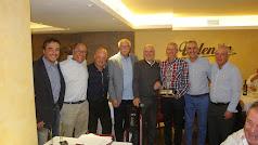 El campeón y subcampeón de la Liga de Golf con el 3º y 4º clasificados con los galardonados.