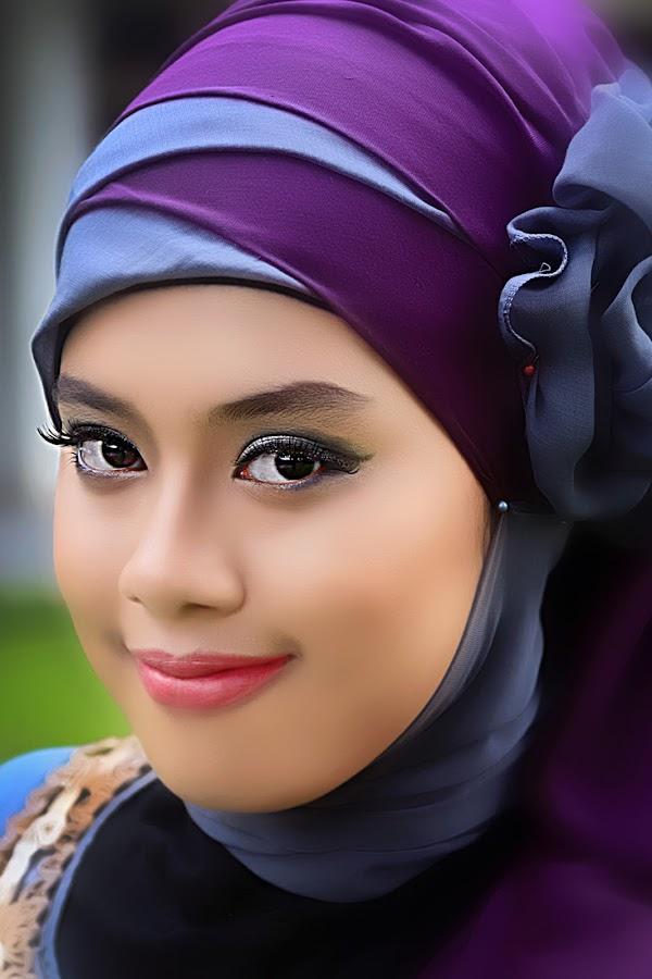by BAYU PRAMANA - People Portraits of Women