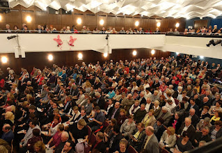 Photo: 800 Zuseher im Stadtsaal Hollabrunn