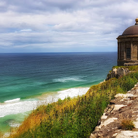 Mussenden Temple  by Mariusz Murawski - Buildings & Architecture Other Exteriors ( #history, #landscape, #nature, #ocean, #caves, #ireland,  )