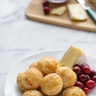 Cranberry Baked Brie Puff Pastry Bites Recipe