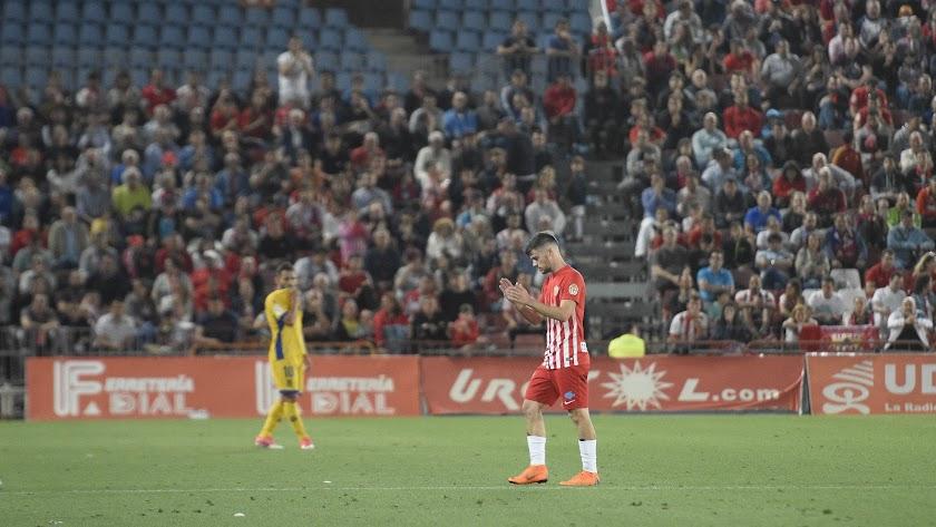 Pozo se despidió de la afición en el partido contra el Alcorcón.