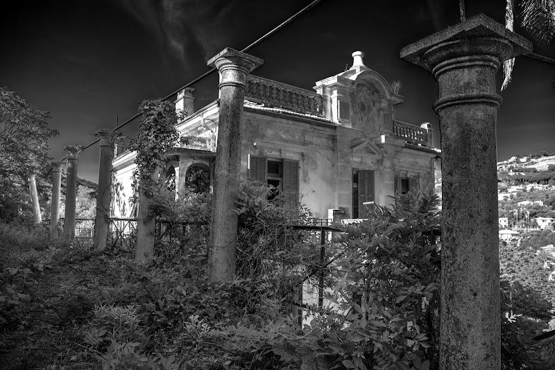 La villa perduta di mario chiaiese foto