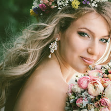 Wedding photographer Nata Rafikova (Rafi). Photo of 10.06.2014