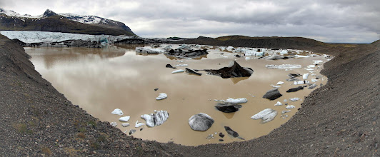 Photo: http://fieldrecording.net/2015/06/01/the-tsunami-on-svinafellsjokull-glacier-lagoon/