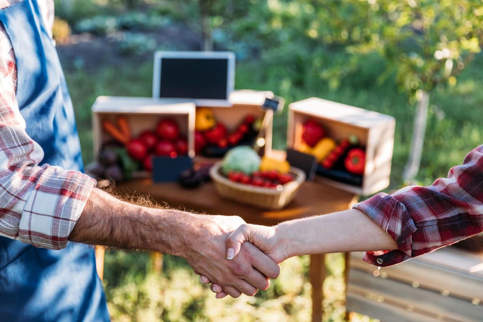 handshake-at-the-farmers-market