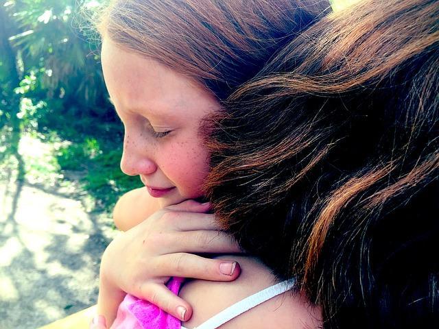 D:\網路下載圖庫\pixabay\hug-pixabay-kid-girl-forgive.jpg