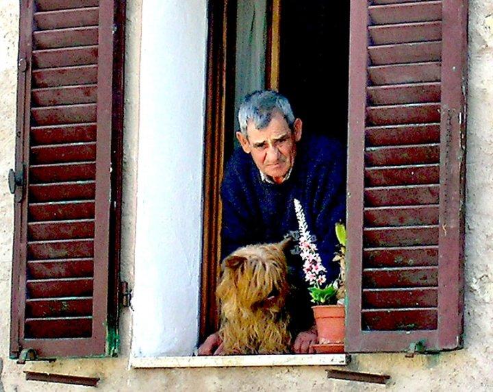 Lui e Lei alla finestra di spelafili