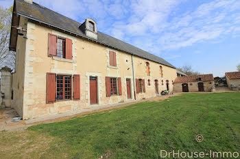 maison à Mirebeau (86)