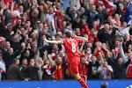 Gerrard scoort op Anfield tegen Nesta en Maldini voor het goede doel
