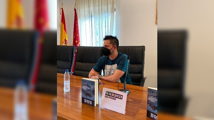Piqueras, ganador del premio BMB de novela negra.