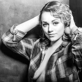 Megan BW by Carl Albro - Black & White Portraits & People ( black and white, woman, beauty )