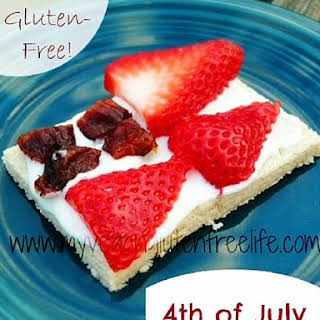 4th of July Fruit Pizza w/Creamy Cheese Frosting.