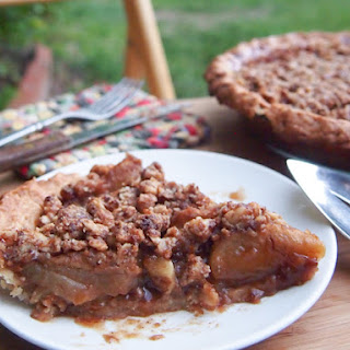 Ginger-Apple Crumble Pie (Vegan, Gluten-Free)