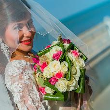 Wedding photographer Evgeniya Dakhlova (EvgeniaDakhlova). Photo of 22.12.2015