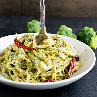 Spicy Garlic Spaghetti in Broccoli Cheese Sauce.